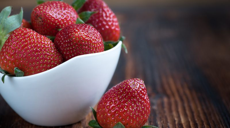 strawberries-1330459_1280